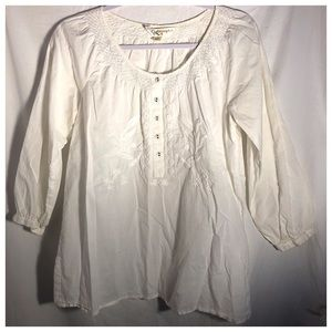 White long sleeve pleated embroidered button